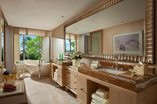 A bathroom at The Mulia