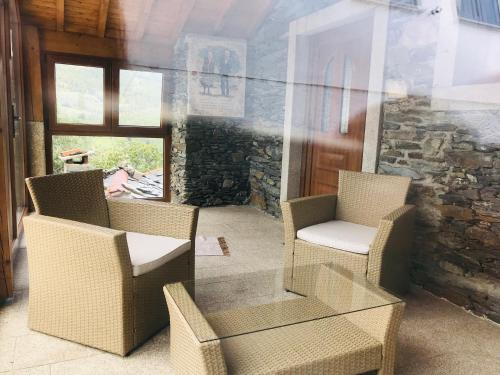 A seating area at Cotorinho Mountain Experience