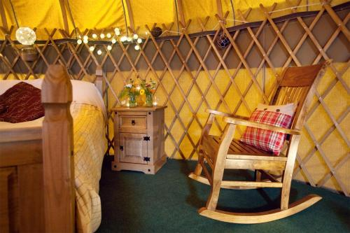 A seating area at Portsalon Luxury Camping