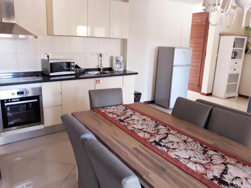 A cozinha ou cozinha compacta de Acoya Curacao Resort, Villas & Spa
