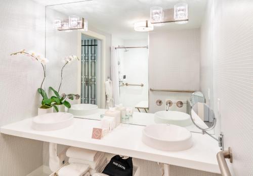 A bathroom at Shelborne South Beach