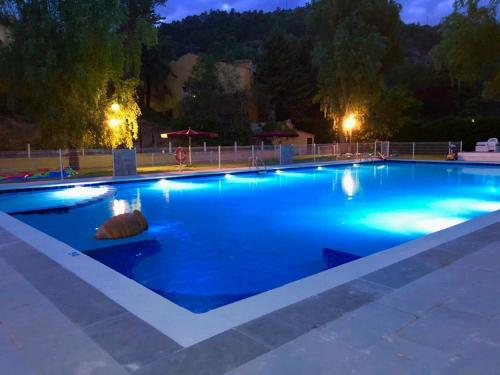 The swimming pool at or near Hotel Resort Cueva del Fraile.