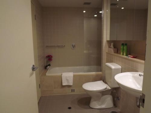 A bathroom at Beachside Luxury 2 Bedroom Getaway