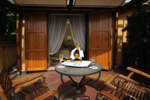 Drinks at Hotel Farnese