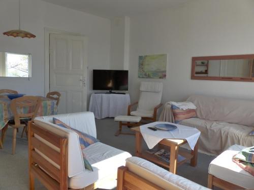 A seating area at Villa Kaethe Borby
