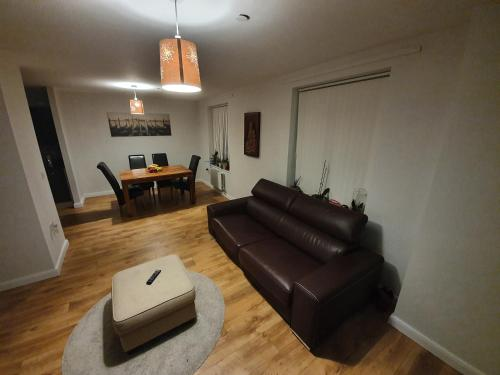 A seating area at Spacious one bedroom apartment in London