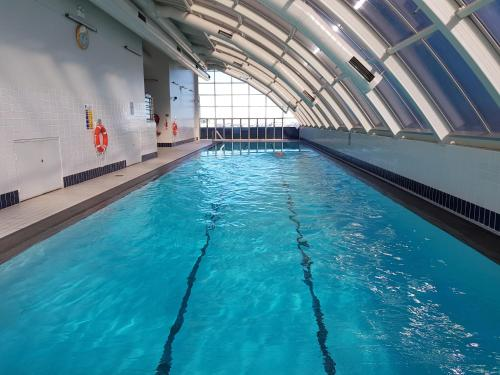 The swimming pool at or near Darling Harbour 2 Bedroom Apartment