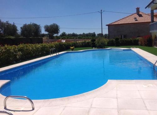 A piscina em ou perto de Casa do Lagar de Tazem
