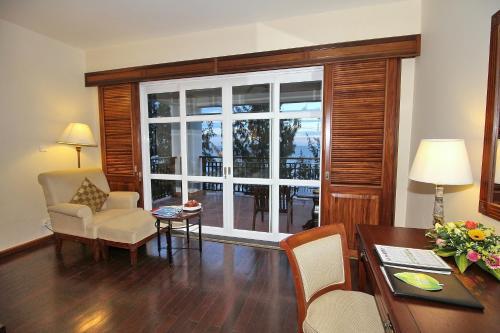 A seating area at Novela Muine Resort & Spa