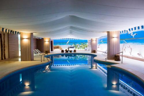 Der Swimmingpool an oder in der Nähe von Hotel Bahia del Sol