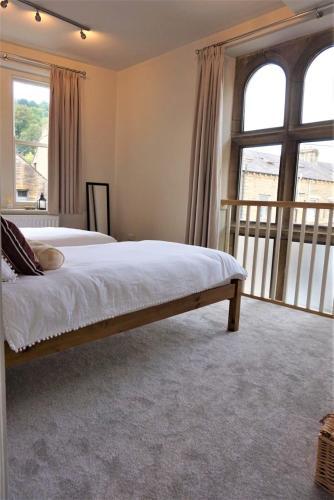 2 Bed Luxury Duplex Hebden Bridge Sleeps 5