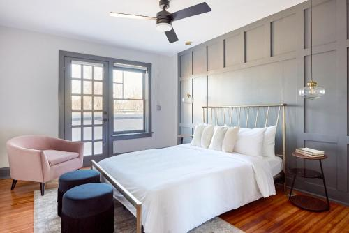 A bed or beds in a room at Sonder — The Essex