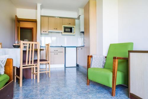 Una cocina o zona de cocina en Apartamentos Dunas de Liencres