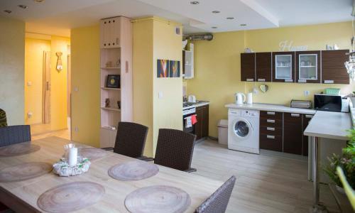 Kuchnia lub aneks kuchenny w obiekcie Apartament Gościnny Magda