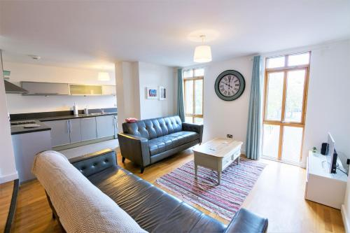 City Centre living, Large 2 bedroom apartment