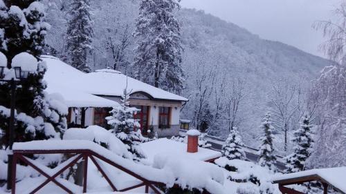 Hotel Tókert during the winter