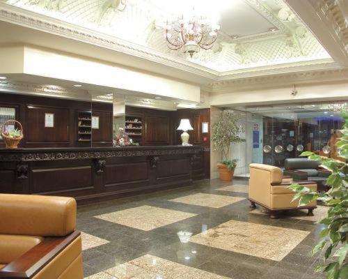 The lobby or reception area at Britannia Hotel Coventry