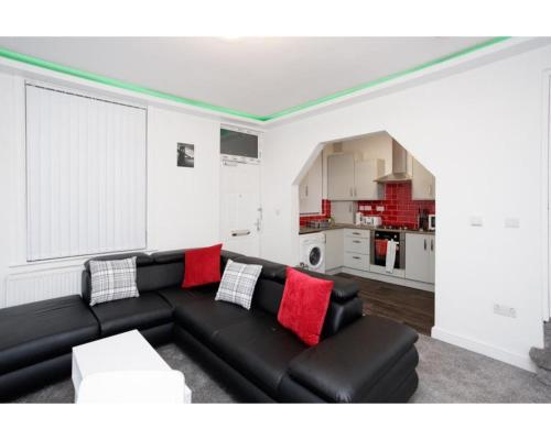 CARTER HOUSE APARTMENTS.....6 beds in 3 bedrooms