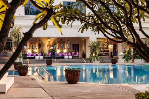 The swimming pool at or near Mercure Mandalay Hill Resort