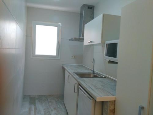Una cocina o zona de cocina en Alojamientos Dezerto Bardenas