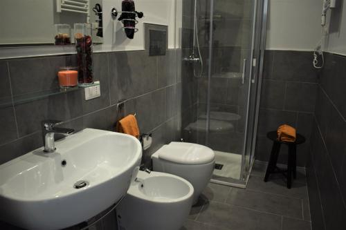 A bathroom at Terno su Napoli