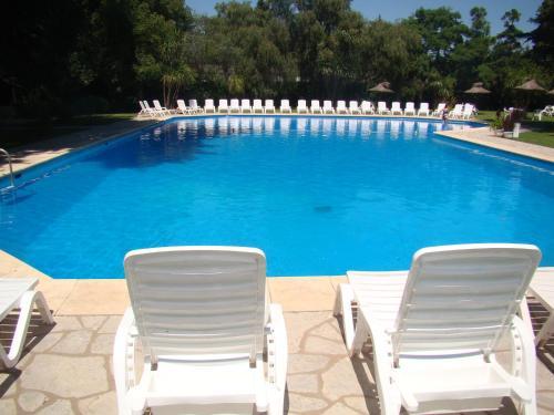 La pileta dentro o cerca de Howard Johnson Resort & Spa Escobar