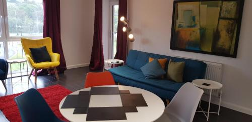 A seating area at Sterling Modern Apartment, Greenhithe 2 with Netflix