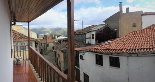 A balcony or terrace at Casa Da Tia Em Tabuaço