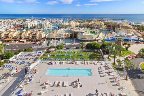 Uitzicht op het zwembad bij Hotel Alay - Adults Only of in de buurt