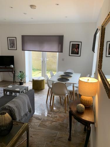 Allure Watford Apartment
