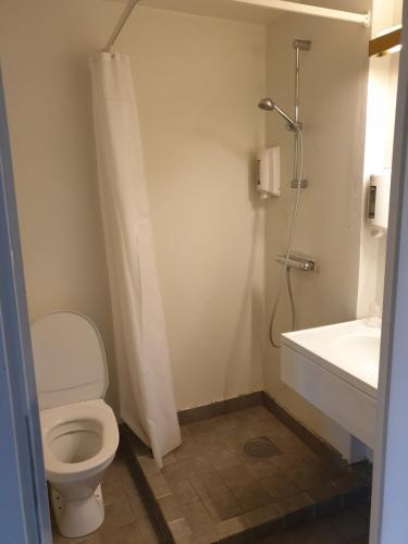 Ett badrum på Rasta Mariestad