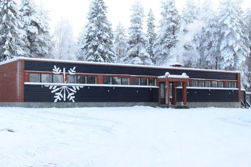 Päämaja Chalet during the winter