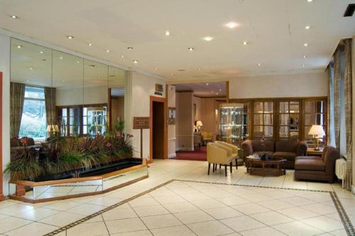 The lobby or reception area at Heathlands Hotel