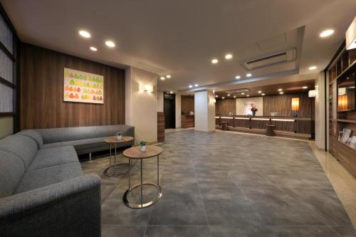 The lobby or reception area at Keio Presso Inn Ikebukuro