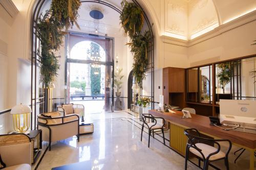 The lobby or reception area at Palacio Vallier 5*