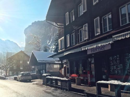 L'établissement Hotel Hornerpub en hiver