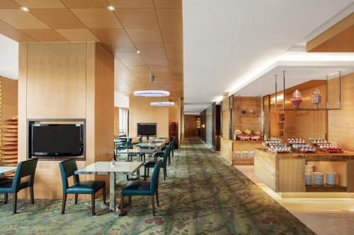 A restaurant or other place to eat at Courtyard by Marriott Shanghai Central