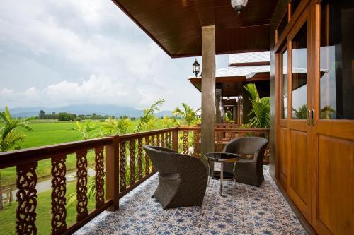 A balcony or terrace at Phusanfah Resort
