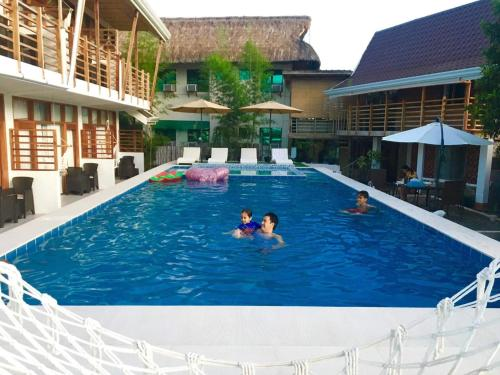 The swimming pool at or near Ananda Resort