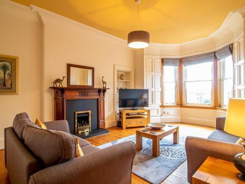 Beautiful Georgian Style Morningside Apartment