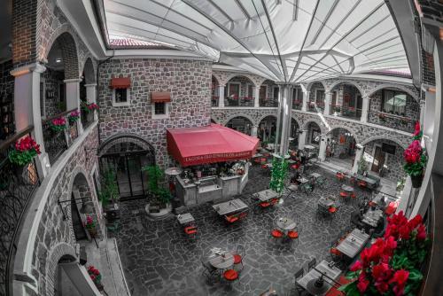 Ресторан / й інші заклади харчування у L'agora Old Town Hotel & Bazaar