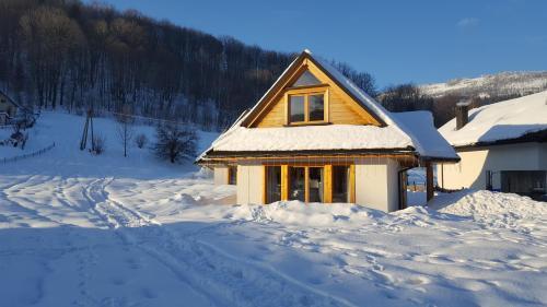 Obiekt Chaty pod Beskidkiem zimą