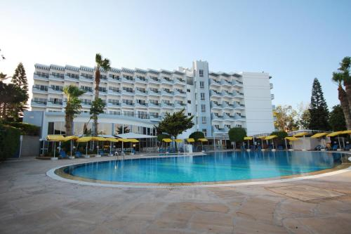 The swimming pool at or near Papouis Protaras Hotel ex smartline Protaras