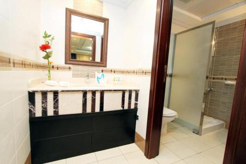 حمام في بلاتينيوم أبراج الإحسان