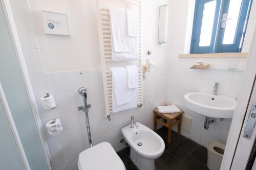 A bathroom at Hotel Gutkowski