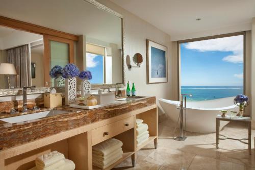 A bathroom at Mulia Resort