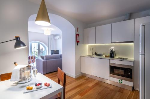 Una cocina o zona de cocina en My Suite Lisbon Guest House – Principe Real