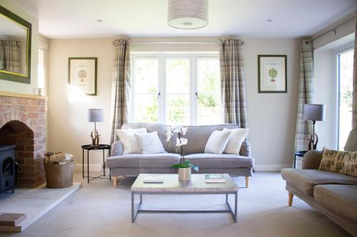 Stunning 4 Bedroom Country House