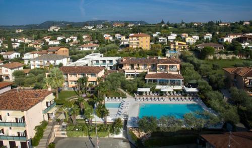 A bird's-eye view of Hotel Villa Olivo Resort