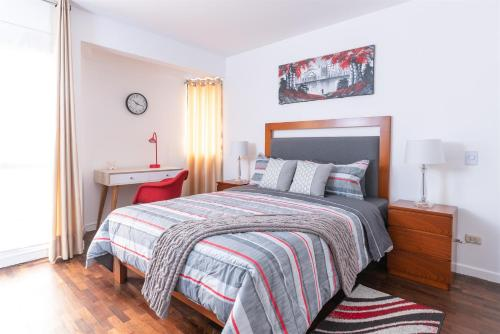 A bed or beds in a room at SimplyComfort, Premium Apt Great View&Location